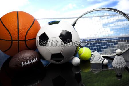 vier sportarten viele baelle und sachen