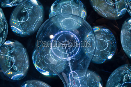 blau glas becher trinkgefaess kelch objekt