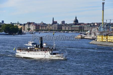historischer dampfer im hafen stockholm
