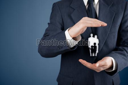 familienlebensversicherung und politik