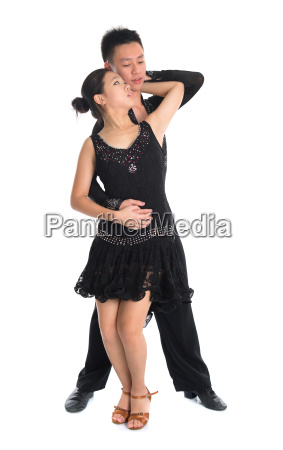 paar latin taenzer tanzen