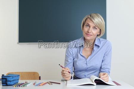 frau lehrer lernen erfahren brief schreiben