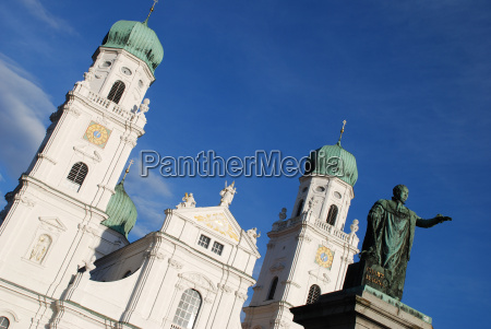st stephens cathedral stephan passau monument