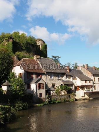 segur le chateau village and auvezere