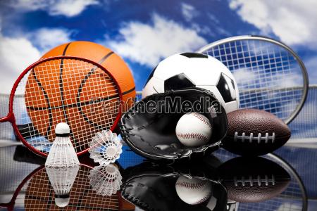 vier sport eine menge baelle und