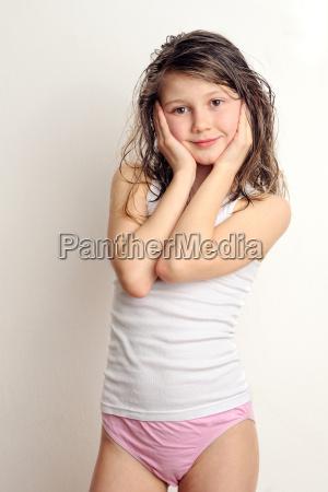 maedchen vor der pubertaet