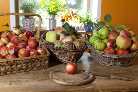 grazing baskets with apples