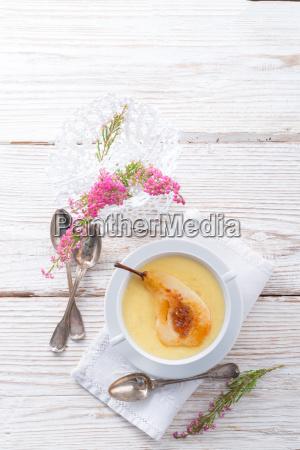 williams pears with semolina