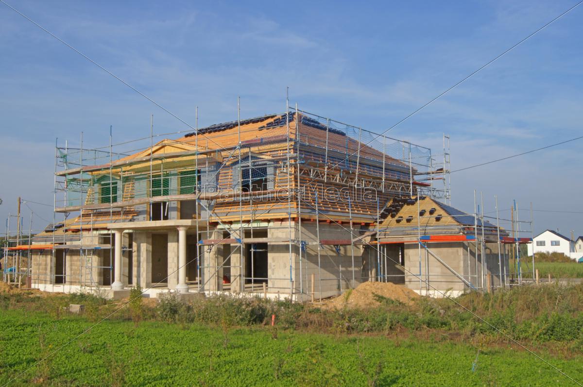 Wohnhaus Bauen haus gebäude dach wohnhaus bau bauen neubau zuhause lizenzfreies