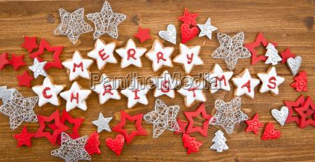 merry christmas geschrieben auf plaetzchen