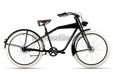 schwarzes fahrrad vor weissem hintergrund