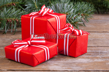 white red green present presents brown