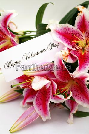 valentinstagkarte mit lilien