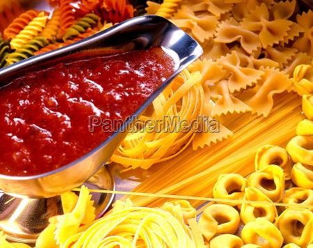 restaurant spagetti roh italiener italienisch spaghetti