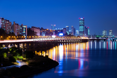 turm stadt metropole modern moderne verkehr