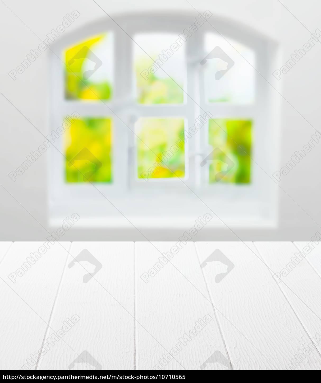 Leerer Sauberer Weisser Kuchentisch Und Fenster Lizenzfreies Bild 10710565 Bildagentur Panthermedia