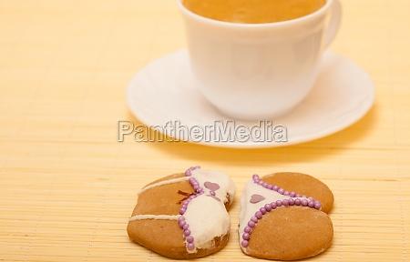 tasse kaffee bikini unterwaesche lebkuchen cookie