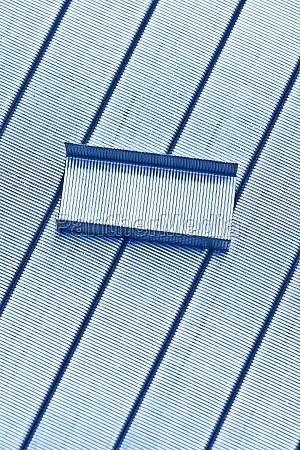 buero closeup schreibwaren verbinden heftklammern buerokratie