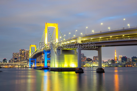 regenbogenbruecke tokyo japan