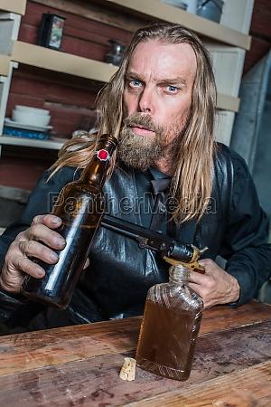 trinken trinkend trinkt maennlich mannhaft maskulin