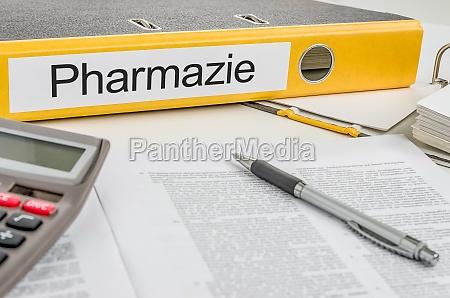 aktenordner mit der beschriftung pharmazie