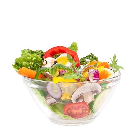 salat mit frischen zutaten