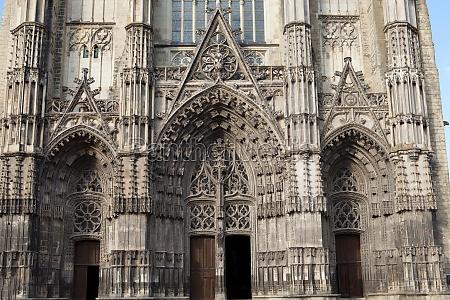 kirche dom kathedrale frankreich tal touren