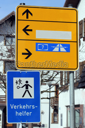 sign and traffic assistant