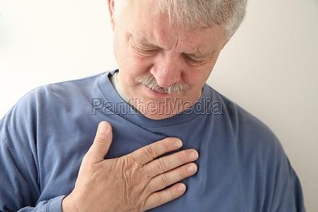 brustschmerzen, bei, älteren, menschen - 11267831