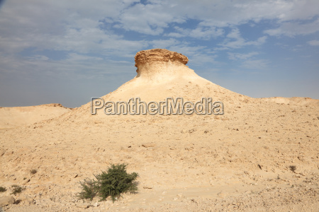desert landscape in qatar middle east