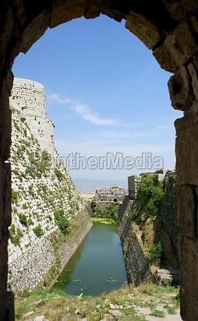 krak des chevaliers crusaders fortress syria