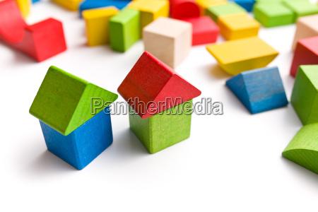 haus aus holzspielzeugbloecken
