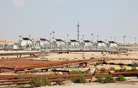 OEl und gasindustrie in der wueste