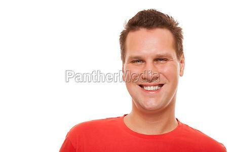 portrait der schoenen jungen mann rotes