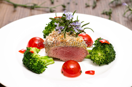 lammfilet mit broccoli