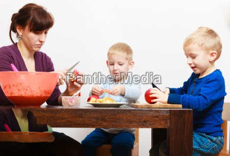 peligro comida interior frutas irrelevante diminuto