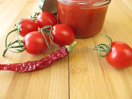 scharfe tomaten konfituere mit chili