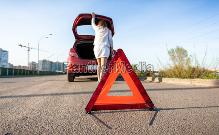 in stamm von kaputten auto sucht