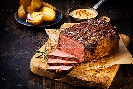 koestliche mageres seltene roastbeef