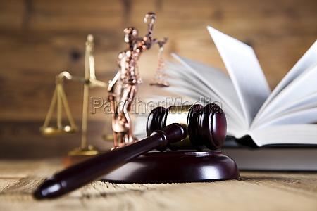 gesetz gerechtigkeit justiz richter urteil bestrafen