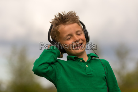 junge musik hoeren