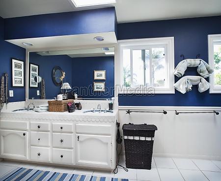 blauer ozean themed badezimmer encinitas kalifornien