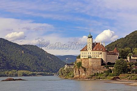 schoenbuehel castle from the danube