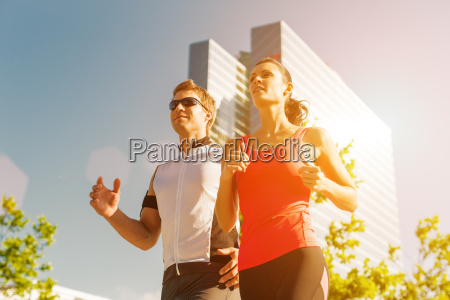 staedtischer sport laufen fitness in