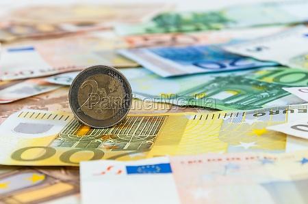 hintergrund der euro banknoten und muenzen