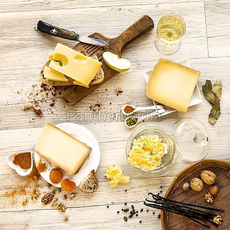 queso probado y comida