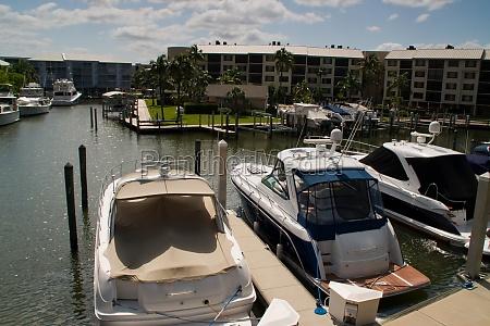 fort myers yachthafen liegeplaetze schiff boot