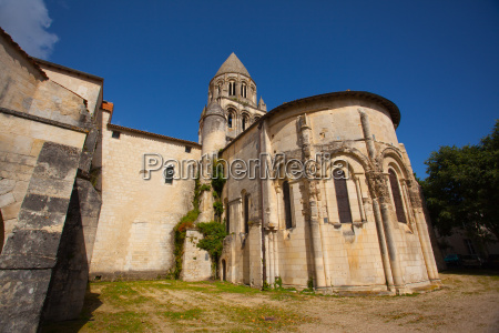 romanesque abse and tower