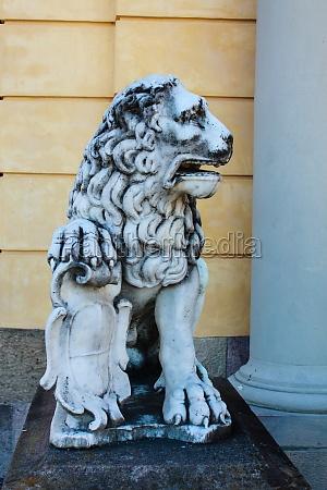 stone figure of a lion