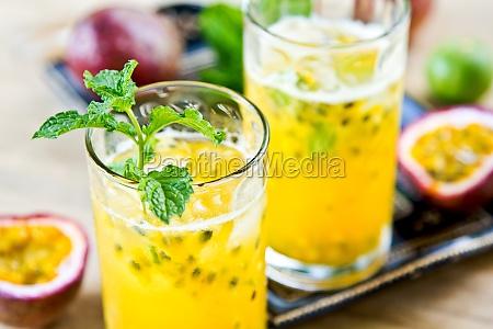 passionsfrucht mit lychee mojito